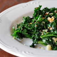Kale with Garlic & Red Pepper Flakes